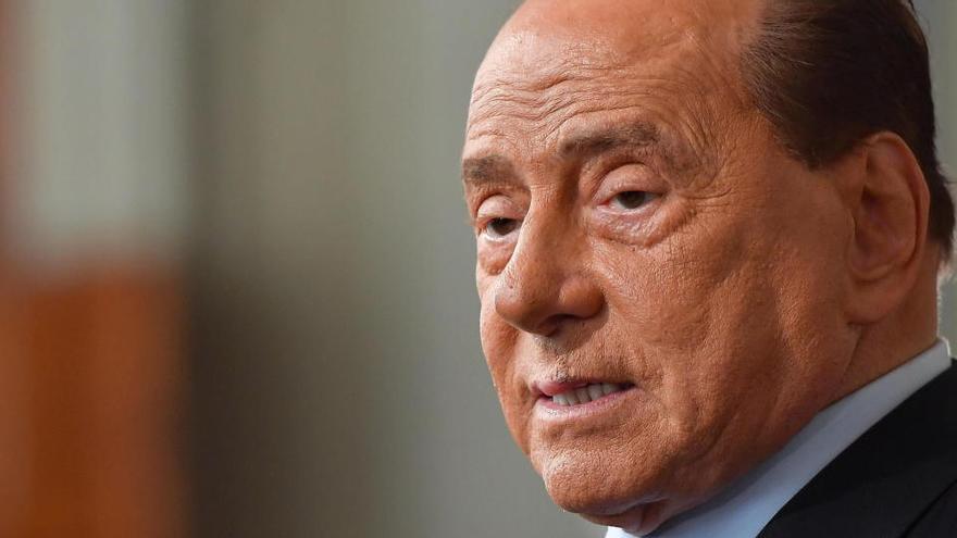 Berlusconi, hospitalizado por un problema cardíaco