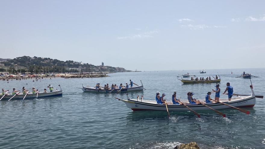 La Araña se impone a Torre del Mar en la regata de jábegas de El Palo