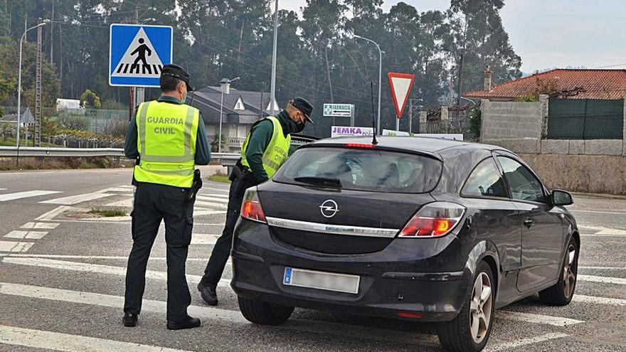 Guardia Civil y Policía Local de Salceda suman cien denuncias por incumplir las normas