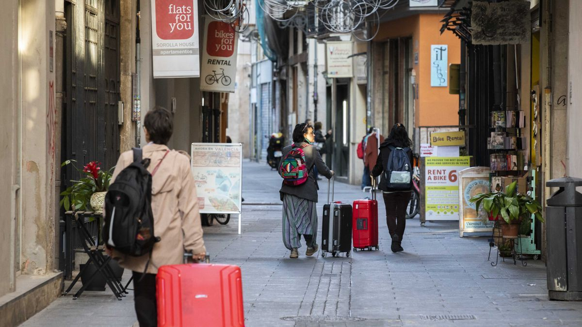 Turistas en el centro de València.