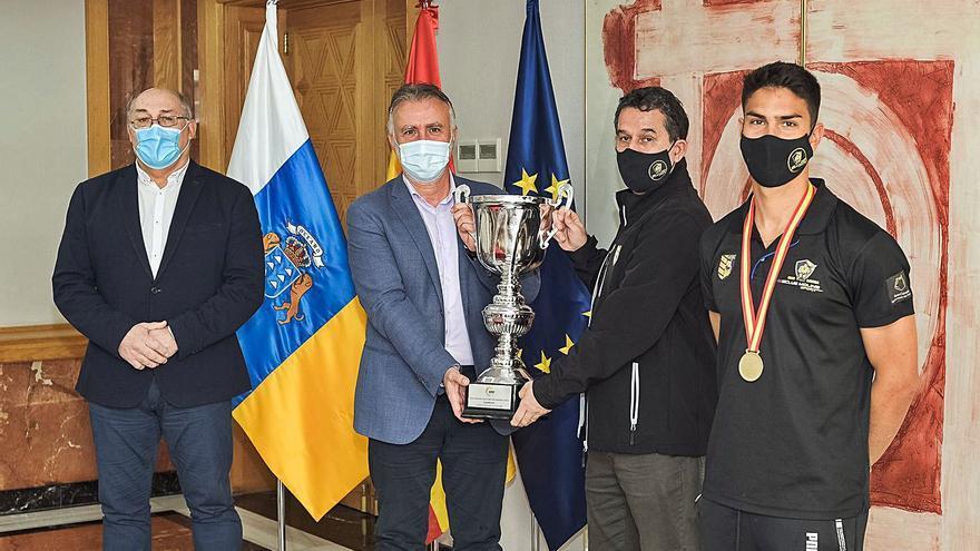 Agasajo por parte del Gobierno de Canarias a  los flamantes campeones