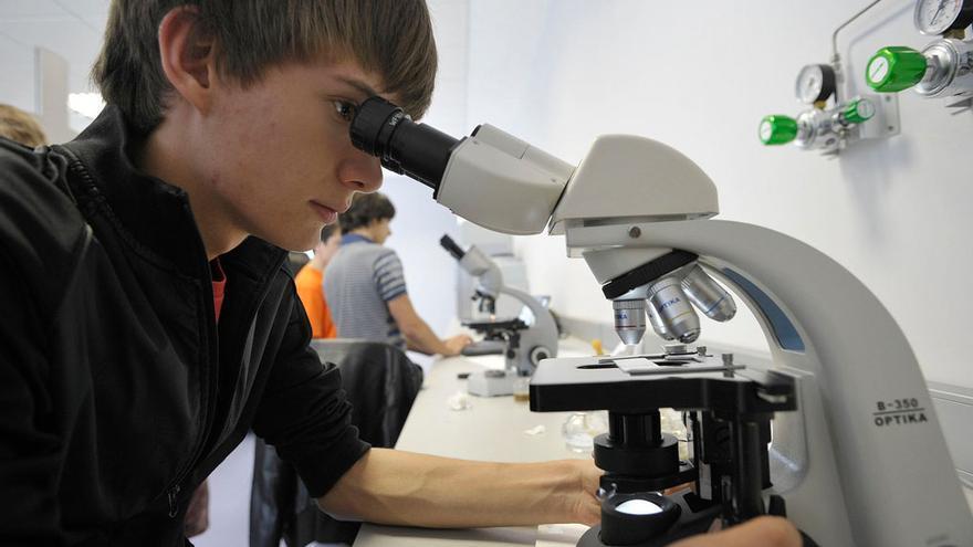 El campamento tecnológico de verano abre su inscripción para 25 adolescentes gallegos