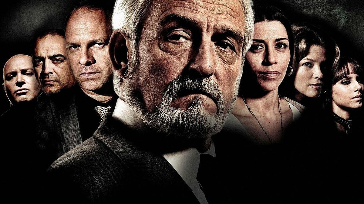 José Sancho caracterizado como Rubén Bertomeu en 'Crematorio', la serie inspirada en la novela de Chirbes.