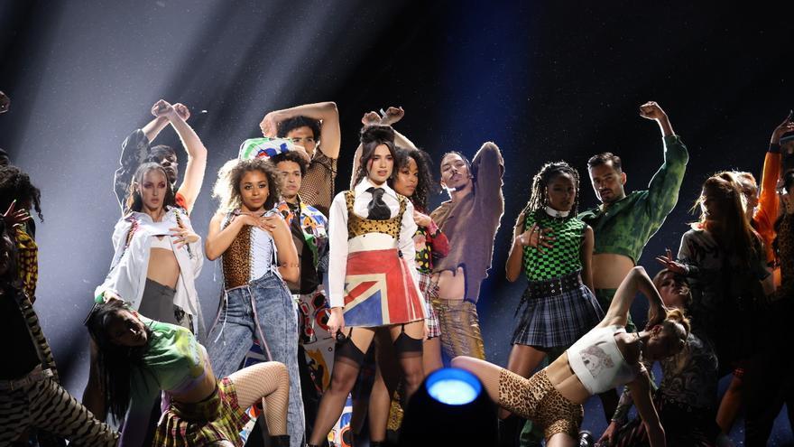 Dua Lipa triunfa en los 'Brit Awards' de la normalidad
