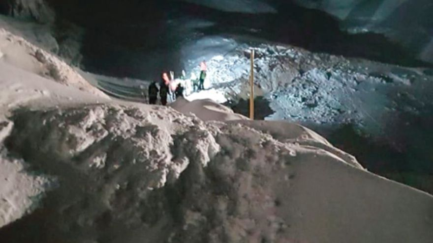 """Tragedia en el puerto de San Isidro: un operario muerto y otro desaparecido sepultados por un """"alud gigante"""""""