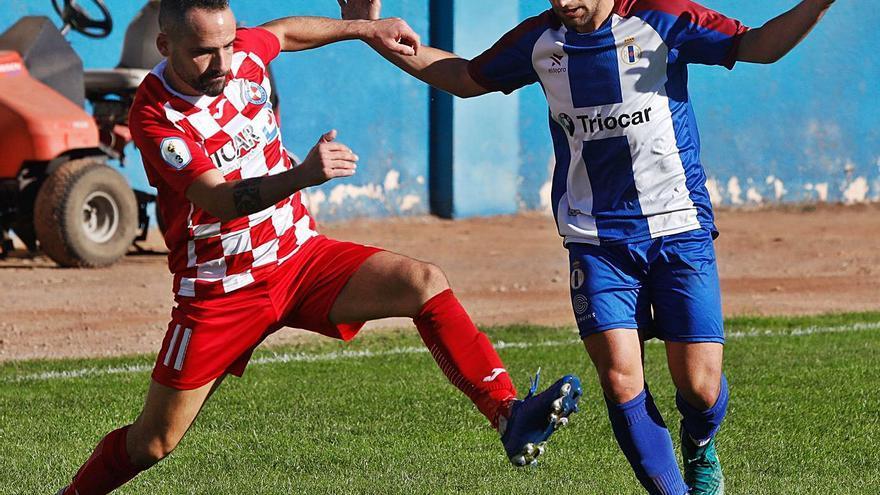 El gol de Omar llega a tiempo: el delantero clasifica al Llanera para la liguilla por una plaza en Segunda RFEF