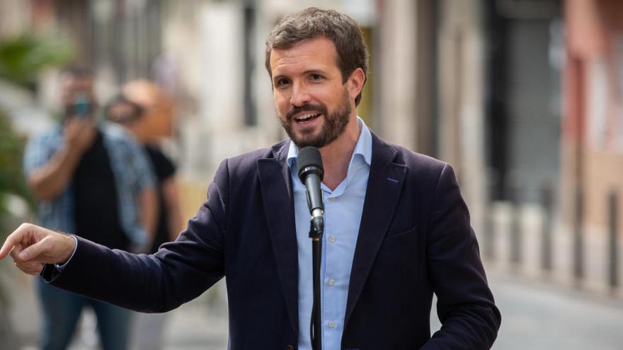 """Casado llama a Sánchez """"cómplice"""" y """"cobarde"""""""