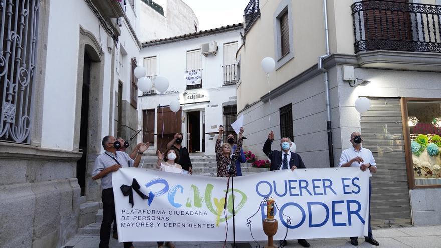 Rinden un homenaje en Pozoblanco a los mayores fallecidos por covid