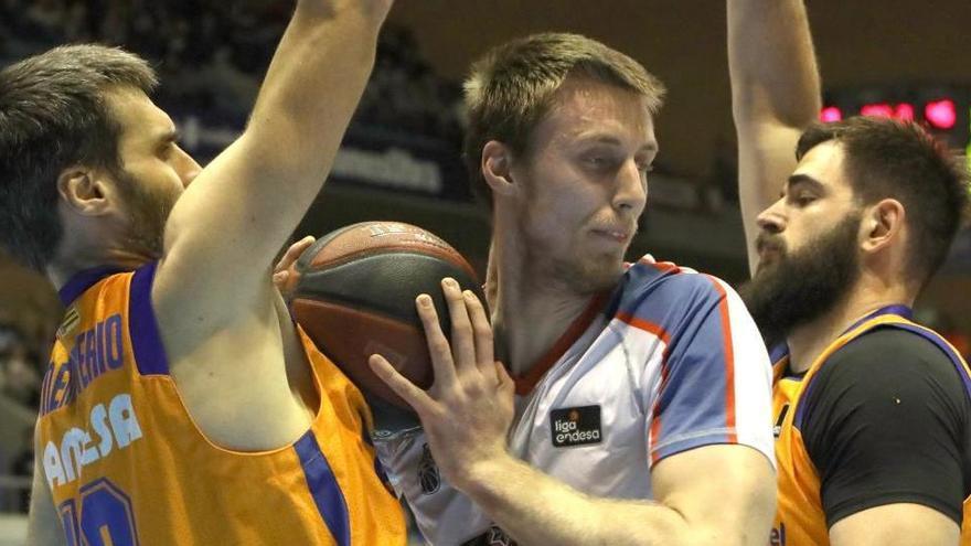 Suspendido el partido de baloncesto Obradoiro-Fuenlabrada por un positivo en el equipo compostelano