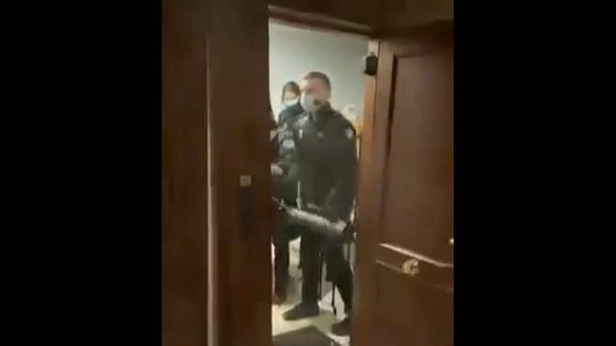 Declaran ante el juez los agentes que irrumpieron en una fiesta ilegal durante el confinamiento