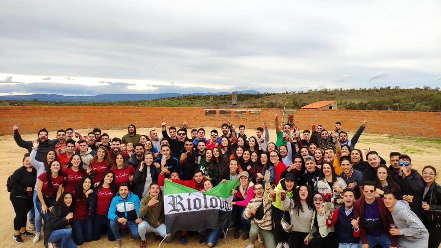 La Asociación Juvenil La Troji hará un mercadillo benéfico el día 20 en Riolobos