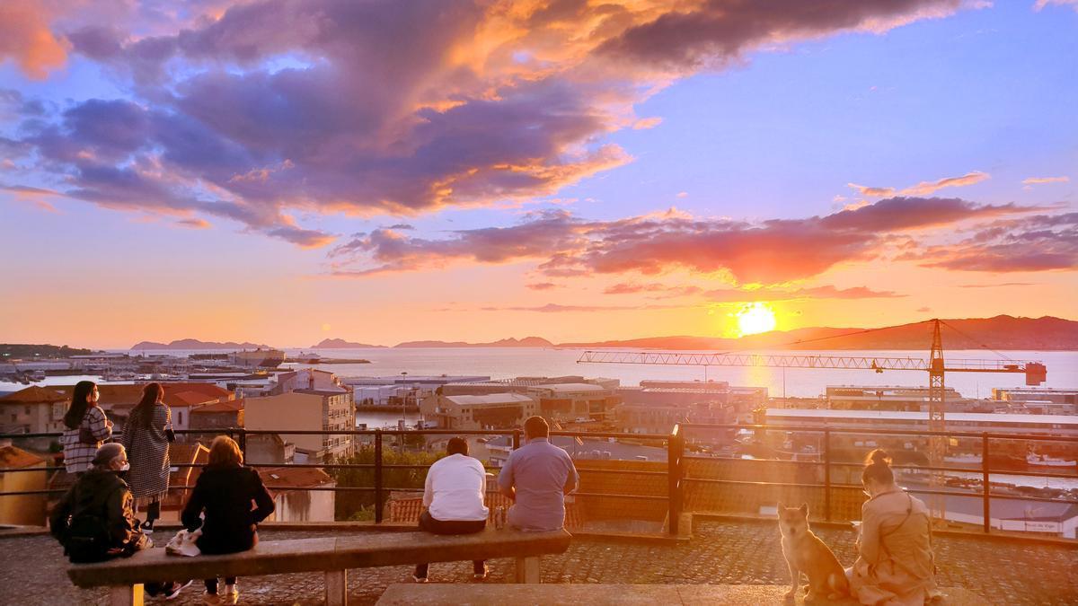 Puesta de sol vista desde el mirador del Paseo de Alfonso XII, donde se celebrarán los conciertos