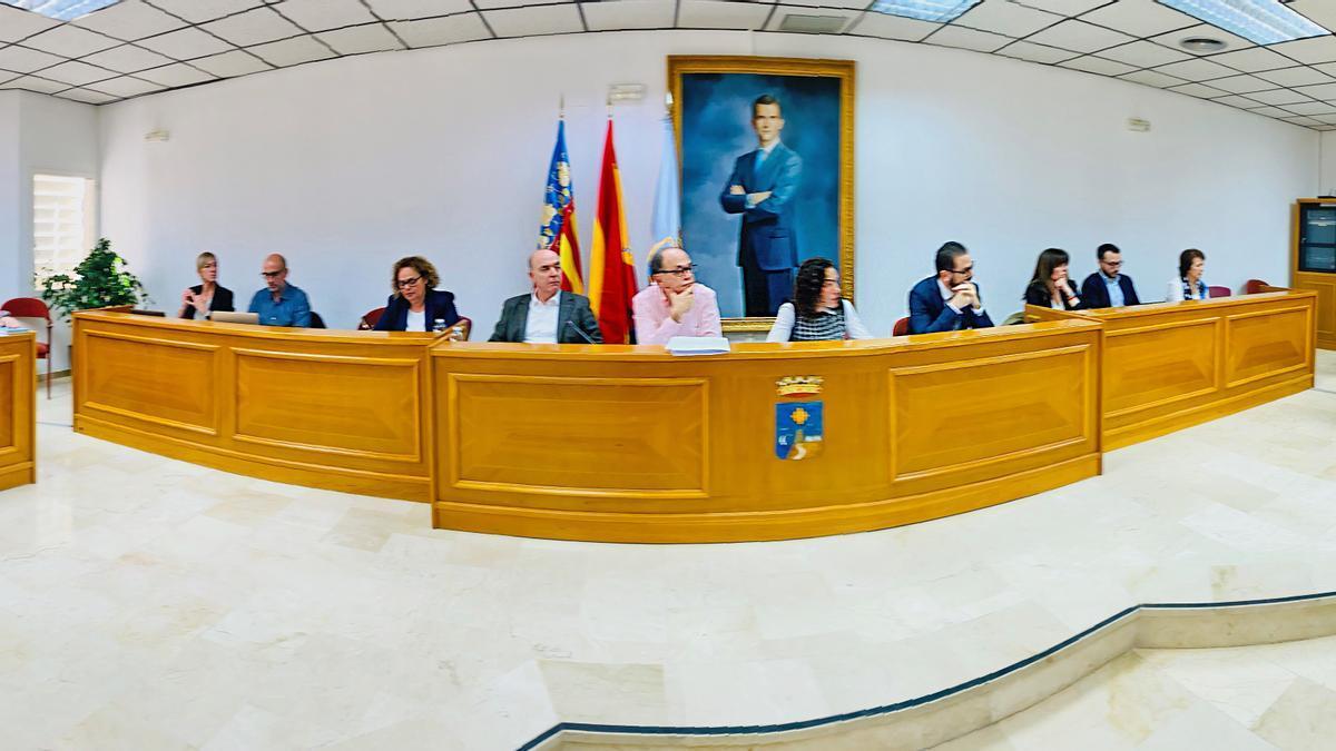Imagen de principios de este año de un pleno del Ayuntamiento de Torrevieja con toda la Corporación