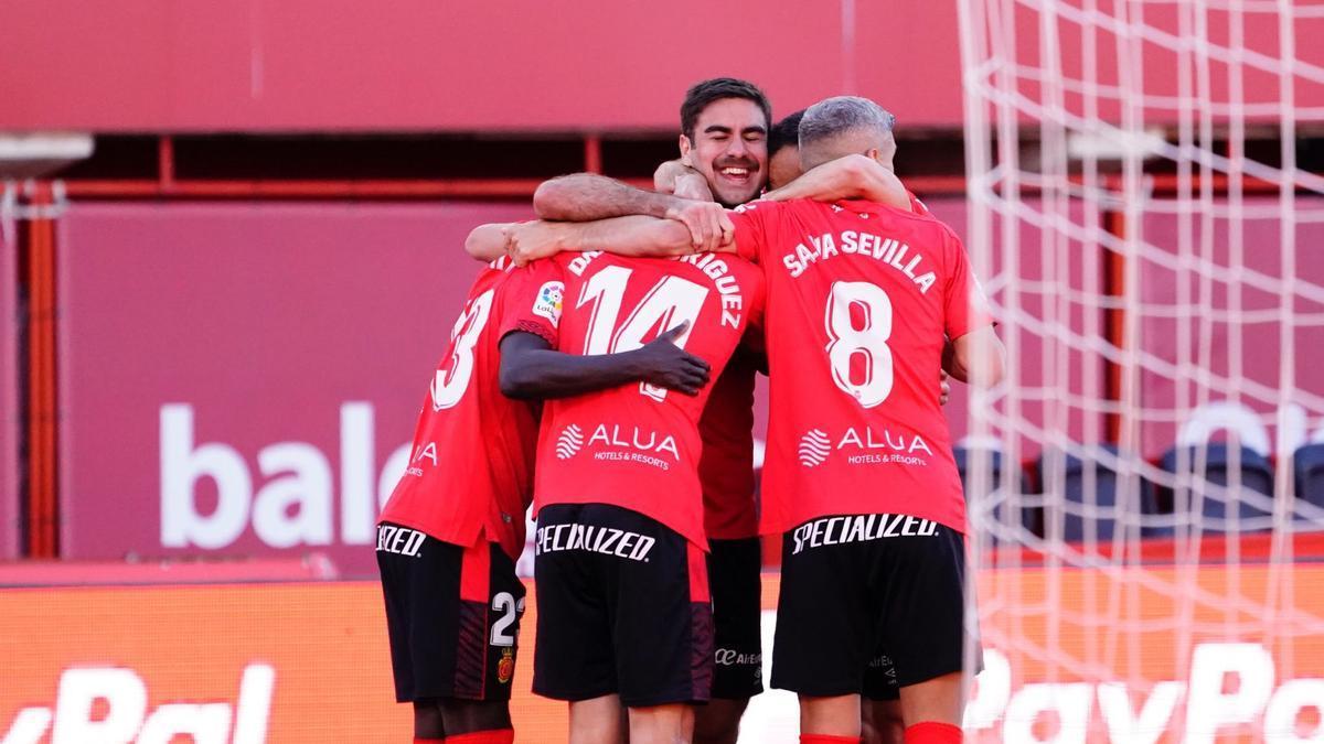Abdón sonríe tras marcar un gol ante el Mirandés.