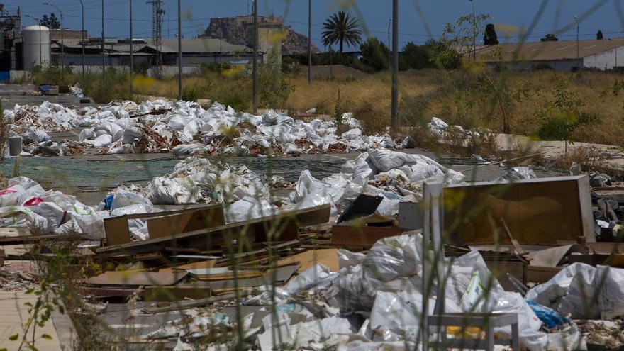 El Consell suspende en la gestión de la basura