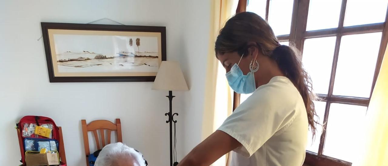 Canarias baja de los 3.000 casos activos por coronavirus