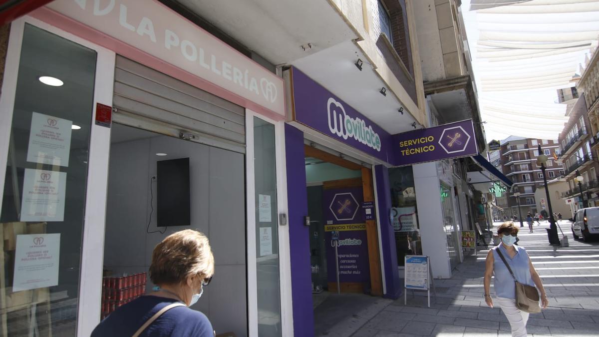 La Pollería, en la Calle Concepción, ultima detalles para su apertura este sábado