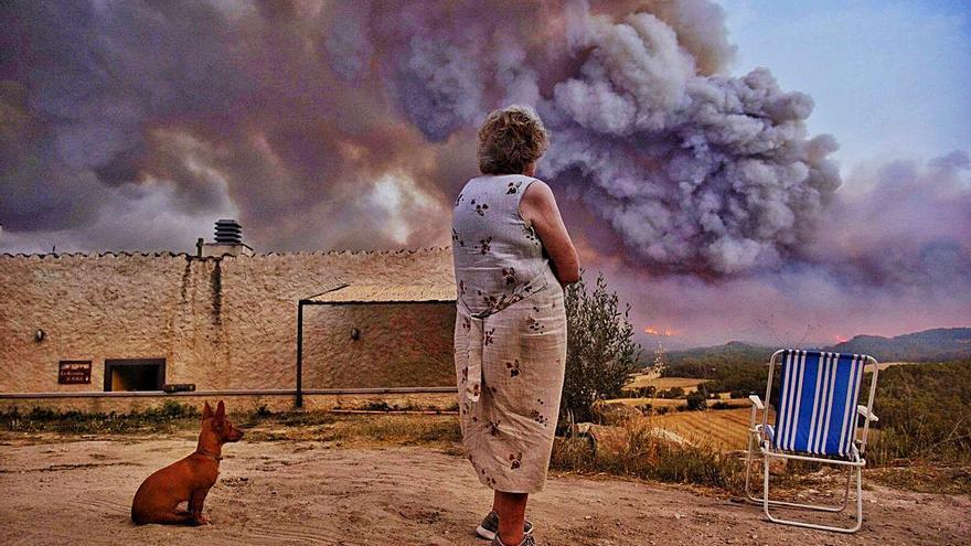 Alerta màxima pel gran foc de la Conca de Barberà