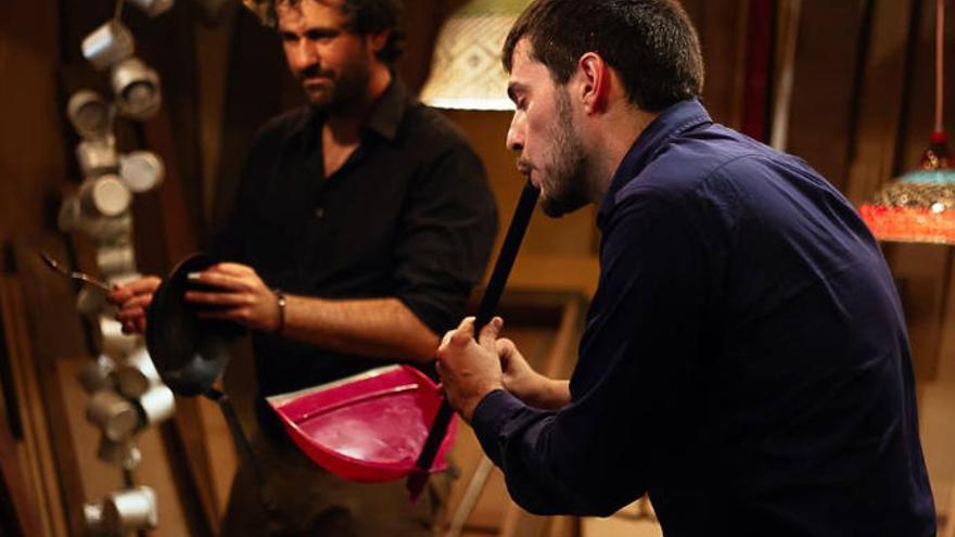 Fetén Fetén muestra sus insólitos instrumentos en el Gabinete Literario