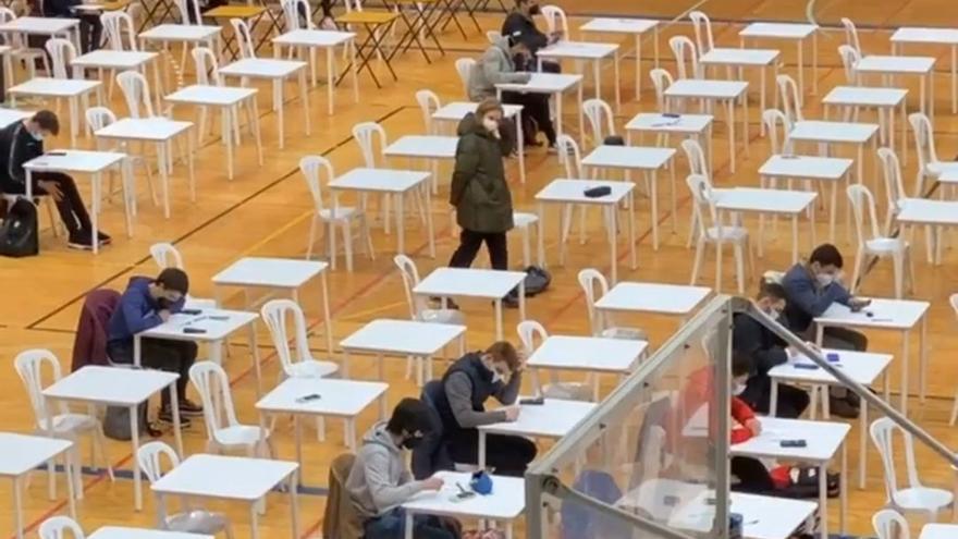 La Universidade de Vigo seguirá con los exámenes presenciales
