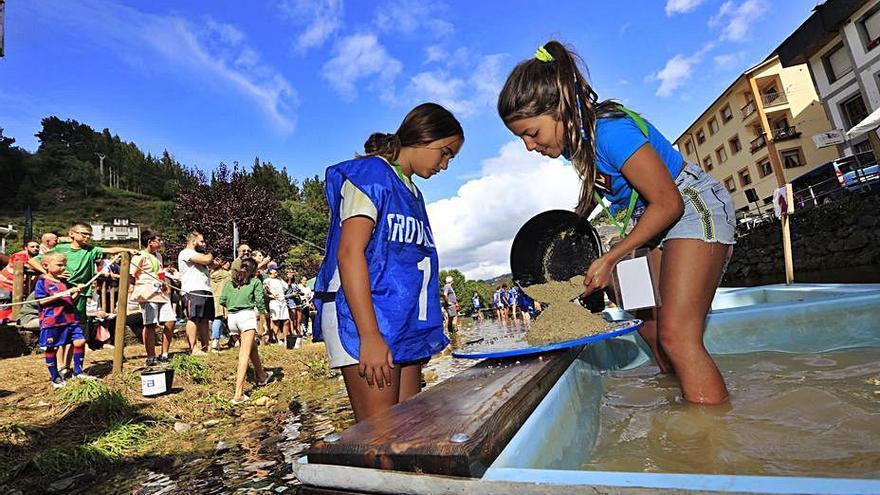 Una brillante Fiesta de Interés Turístico Regional en Navelgas