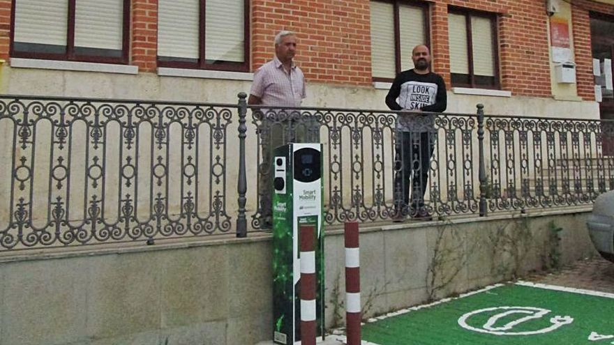 Vezdemarbán instala dos puntos de recarga para vehículos eléctricos