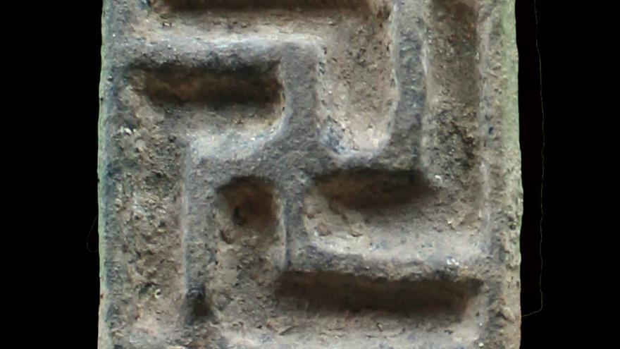 Hallan un santuario ibérico del siglo IV a.C. en una cueva de Santomera