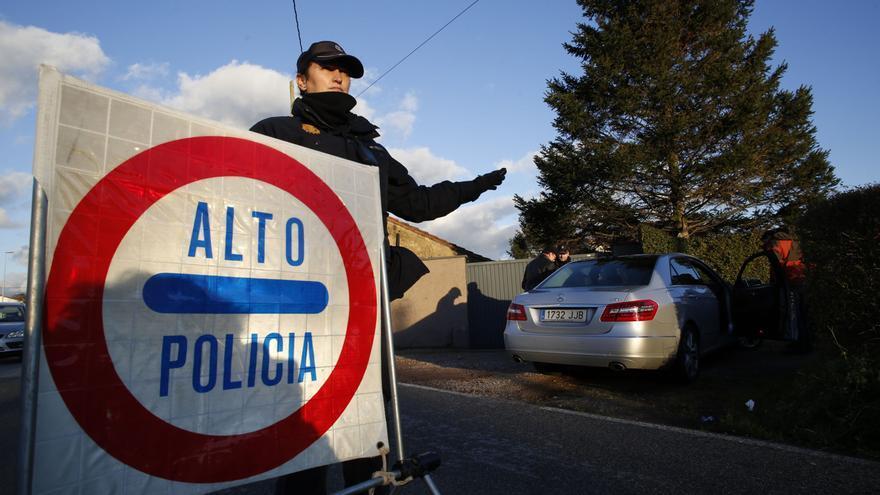 La Policía Nacional detiene de nuevo, en menos de un mes, a un hombre por robos en coches