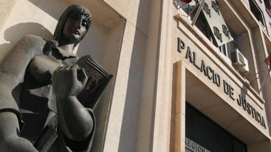 Condenado a 7 años y medio de cárcel por intentar abusar de su hija en Murcia