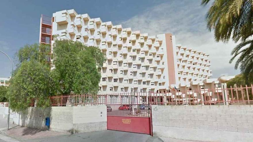 Protesta por la sobrecarga del personal de limpieza de la residencia de mayores Alacant