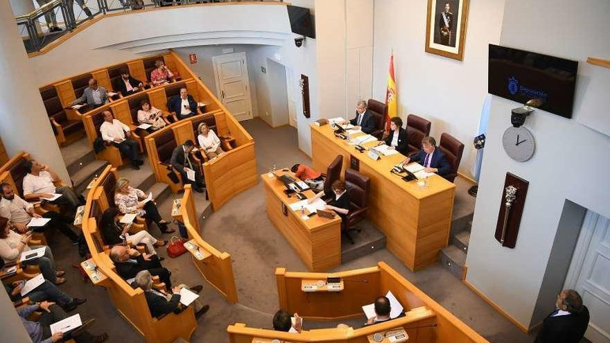 La Diputación aprueba por unanimidad 12 millones de euros para ayudas a autónomos