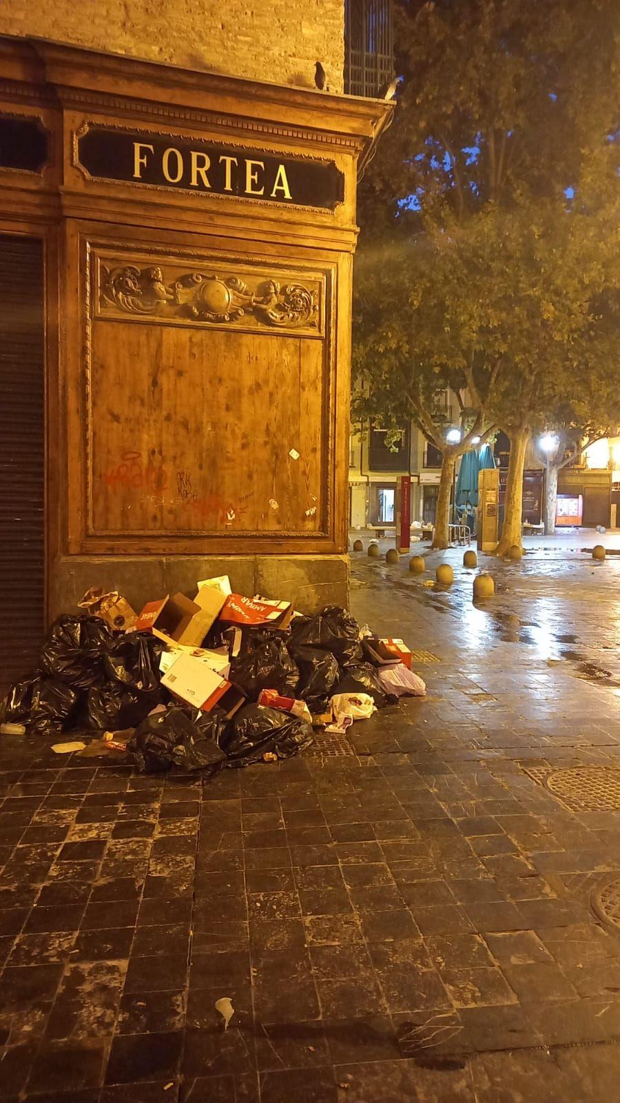 La noche y el día en las calles de Zaragoza