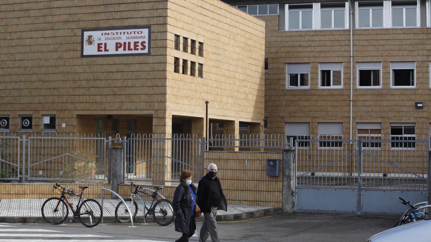 Educación reparará la próxima semana el tejado del IES El Piles