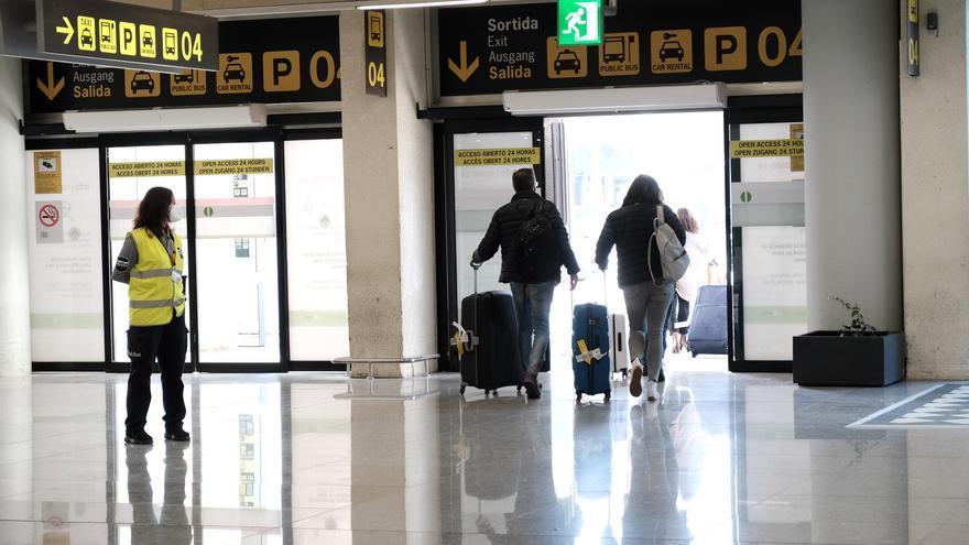 Así se realizan los controles a pasajeros extranjeros en el aeropuerto de Palma