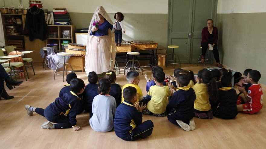 A Tempo recupera la presencialitat, inclou espectacles de gran format a les escoles de Girona i Salt i s'estén a Sevilla