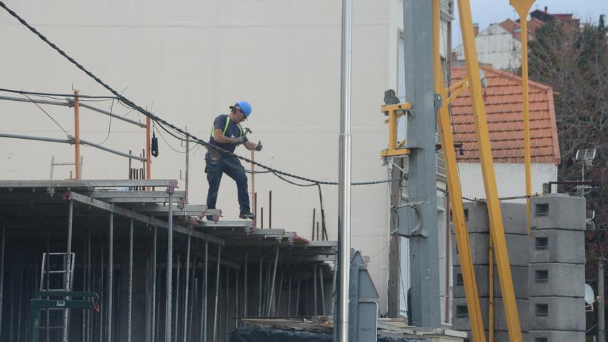 El paro baja en la comarca con la creación de 436 puestos de trabajo en abril