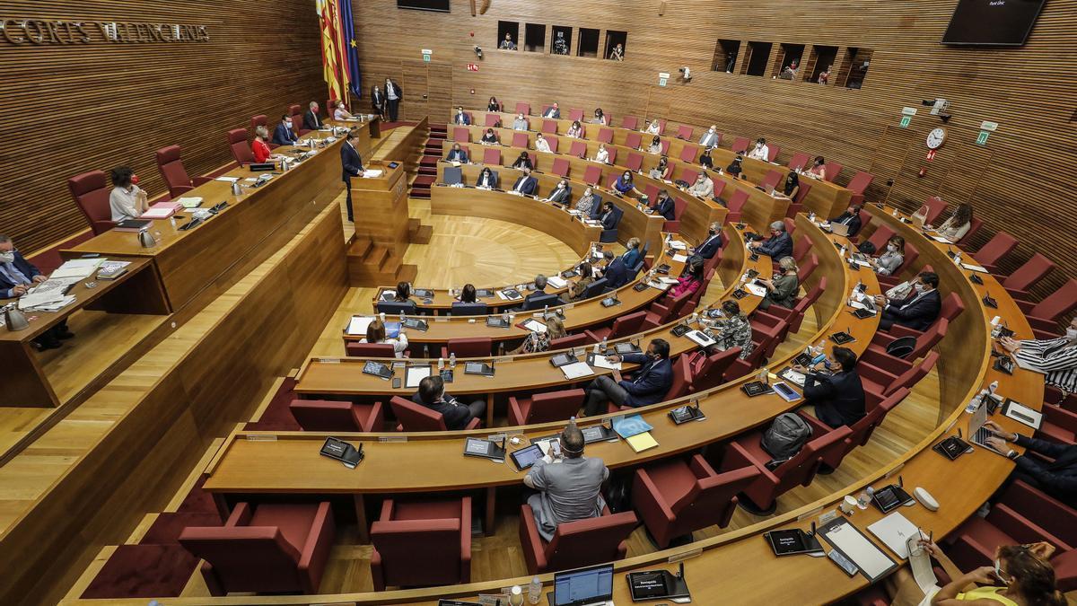El presidente de la Generalitat, Ximo Puig, se dirige a las Cortes en el debate de Política General 2020.