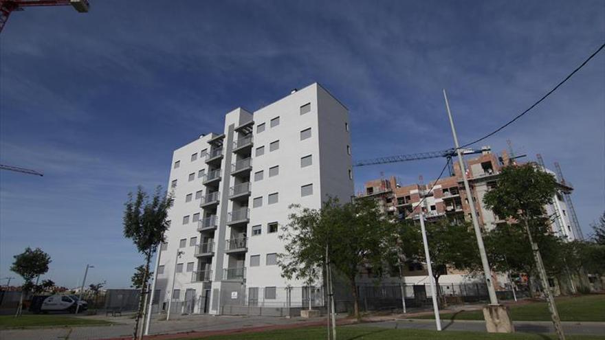 El edificio de 19 VPO bloqueado por la recogida neumática ya tiene licencia para ser habitado