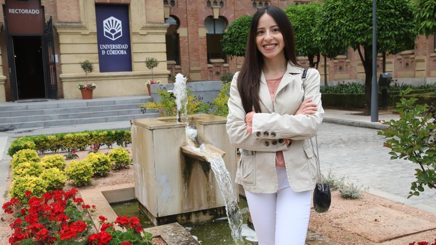 """Douaae Yahia: """"Mi proyecto es desarrollar y difundir el español en mi país"""""""