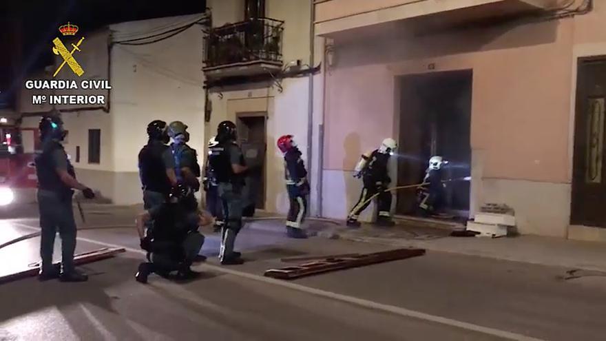 La Guardia Civil detiene a un hombre atrincherado en la vivienda de su ex pareja en Consell