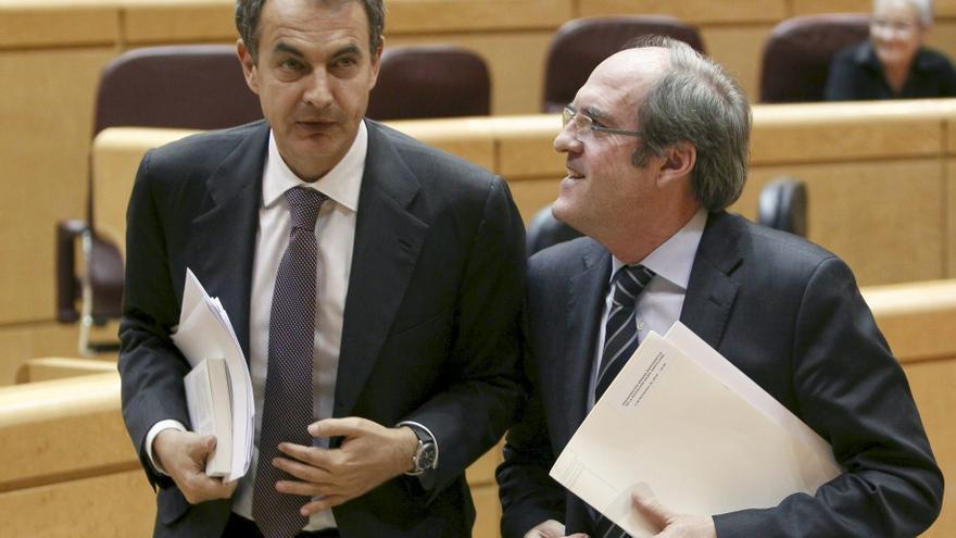 Zapatero y una veintena de sus ministros firman un manifiesto para pedir el voto para Gabilondo