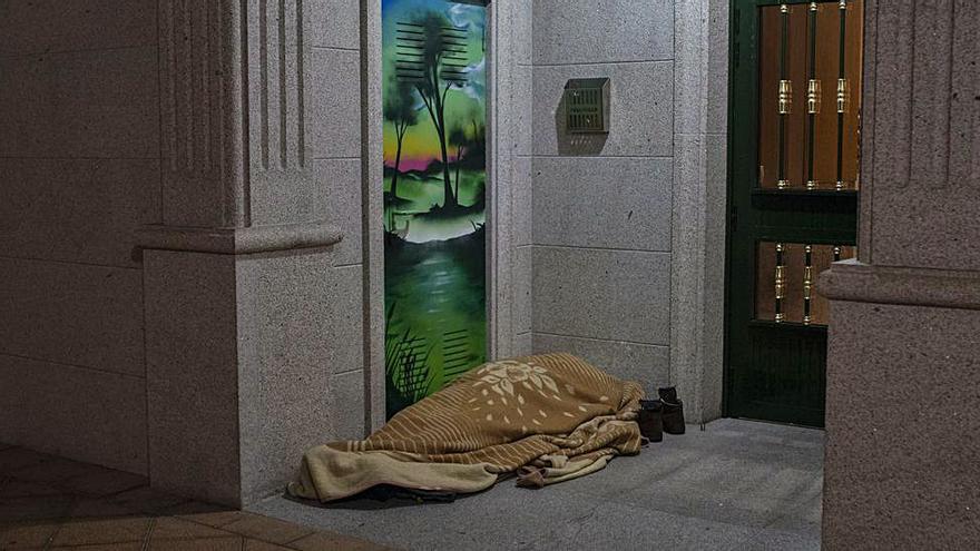 """Ucha: """"Villarino falsea la información, atendemos a las personas sin techo"""""""