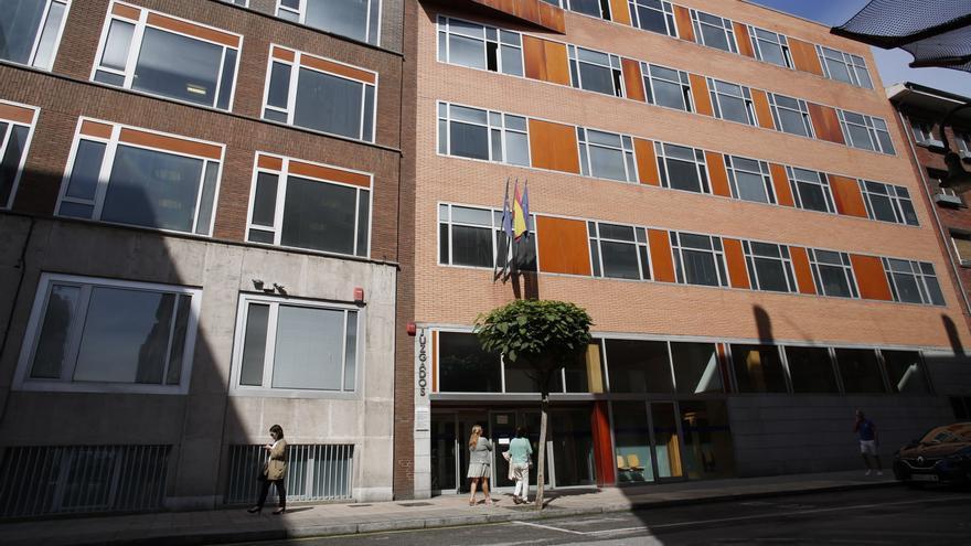 Juzgan al acusado de grabar, desnuda, a la hija de su pareja en un hotel de Avilés