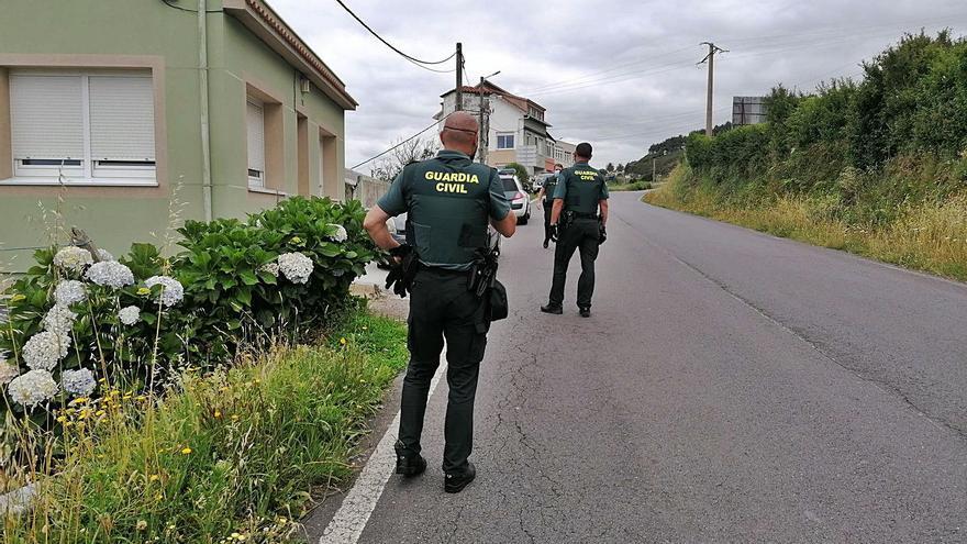 Dos detenidos por robar un coche e intentar asaltar un estanco de Caión