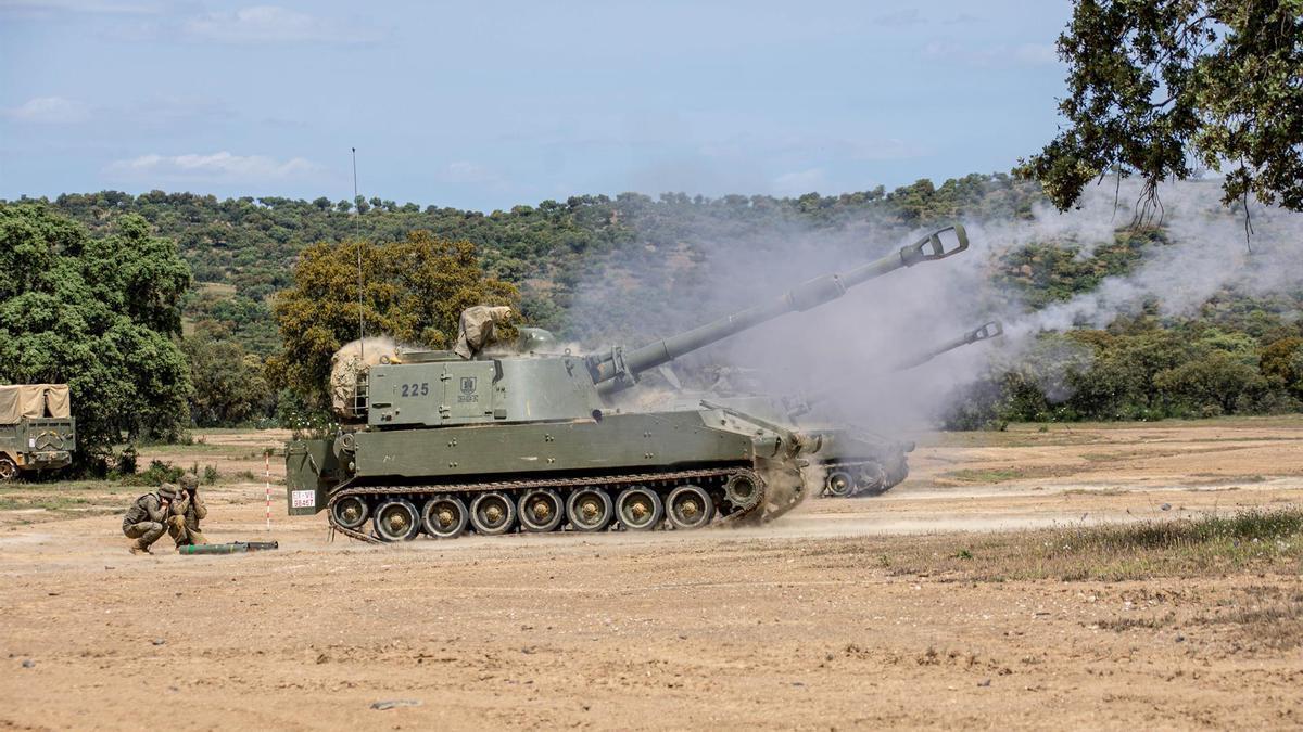 Un momento del ejercicio 'Cobre I21' desarrollado por la BRI X en Cerro Muriano.
