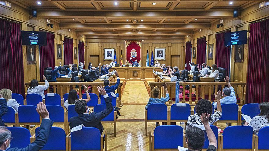 El pleno provincial pide a la Xunta que potencie la acogida familiar permanente de menores