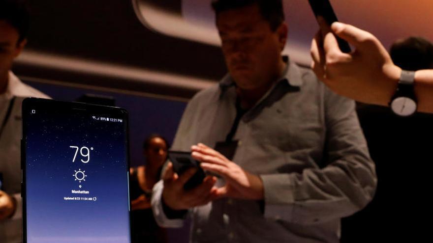 Multa a Samsung i Apple per alentir els seus dispositius