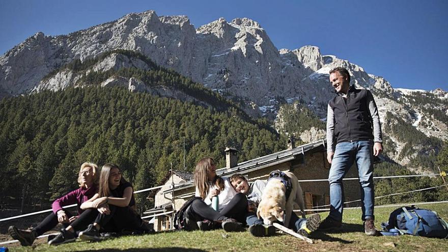 Sense confinament, el Pedraforca emergeix com a símbol excursionista