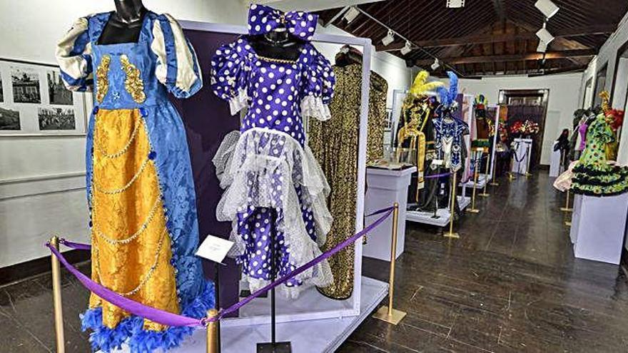 Agaete repasa su historia del carnaval con un velatorio, fotos y trajes de época