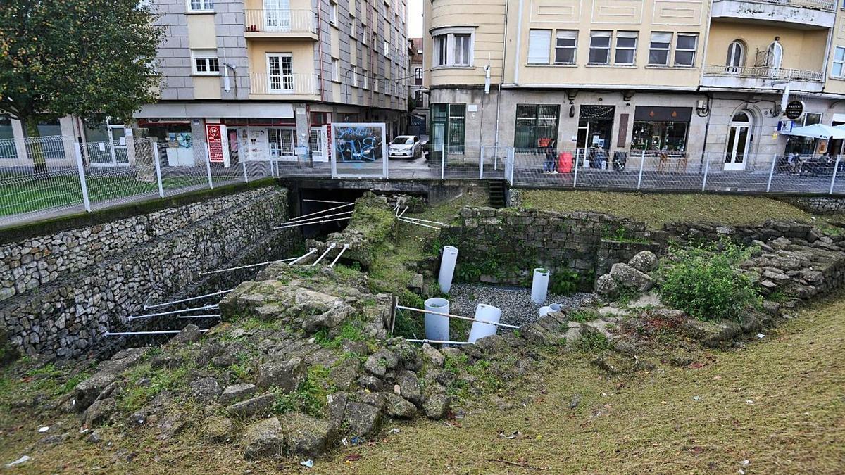 Yacimiento arqueológico de la plaza de Valentín García Escudero.     // FARO